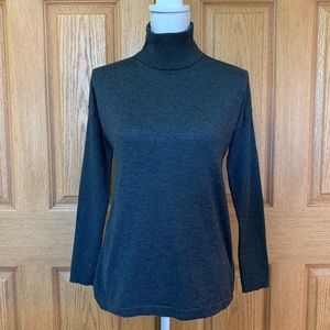 Vince Camuto Ribbed Sleeve Turtleneck Sweater XS